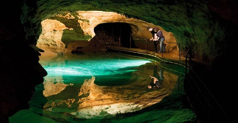 Visit Jenolan Caves near Bathurst and Oberon